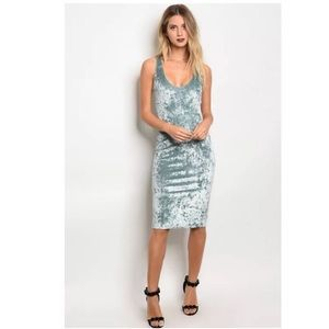 Dresses & Skirts - BLUE SLEEVELESS CRUSHED VELVET BODYCON DRESS